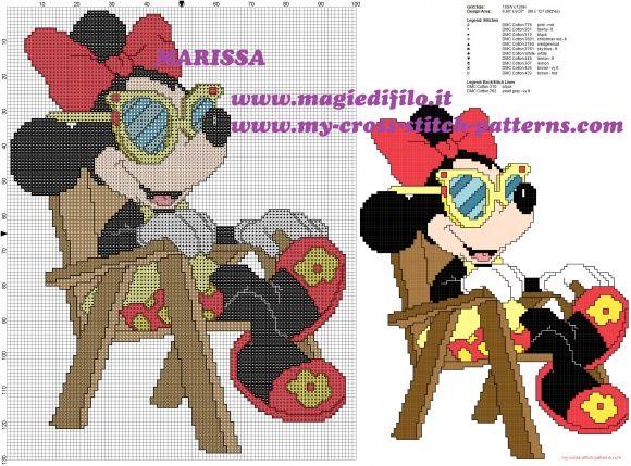 schema punto croce Minnie Disney in vacanza sulla sedia a sdraio