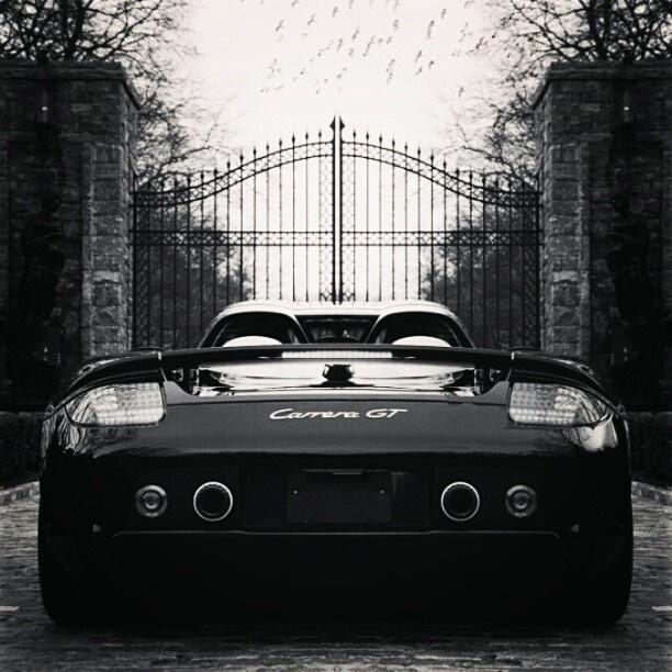 Porsche Carrera GT, Mansion Gates