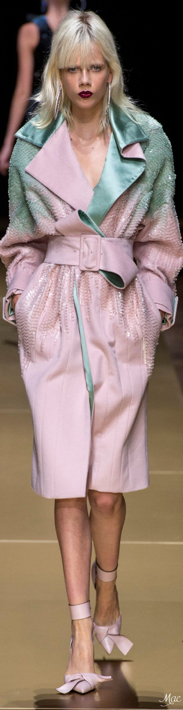 This pastel wash is gorge would look great on a pair of jeans! Fall 2016 Haute Couture - Atelier Versace