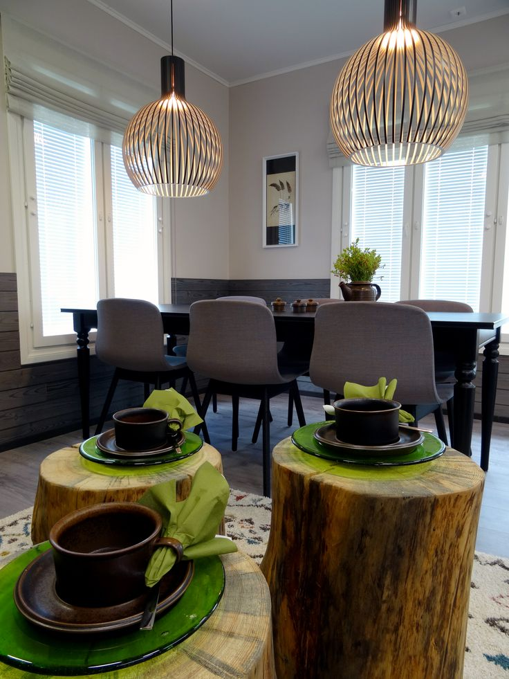 Suite Autumn Forest and lovely log tables
