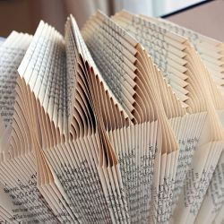 Fold a little, pleat a little. Respect old books by turning them into eye-popping art!Old Book, Book Art, Book Sculpture, Free Pattern, Book Folding, Book Pages, Pine Trees, Folding Book, Altered Book