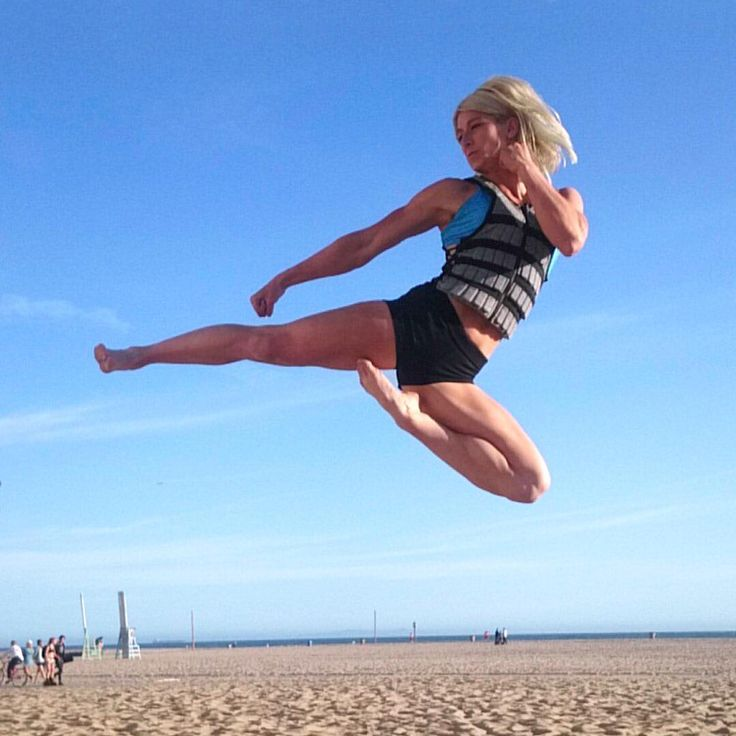 de graff single women Jessie graff made history by being the first woman to ever complete stage 2 on american ninja warrior take a look back at her most breathtaking stunts.