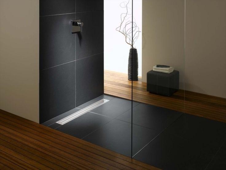 freistehende Dusche optisch durch den Bodenbelag trennen