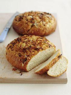 Onion Bread Recipe for the Bread Machine using onion soup mix