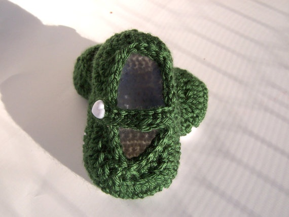 Couture Soft Baby Shoes Kelly Green White by TheCrochetLady1, $15.00