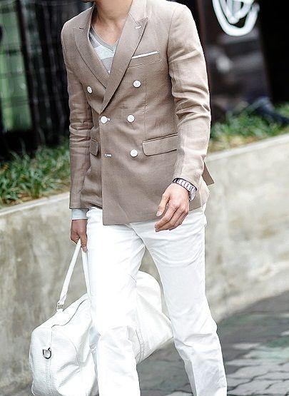 I like the blazer and pants!