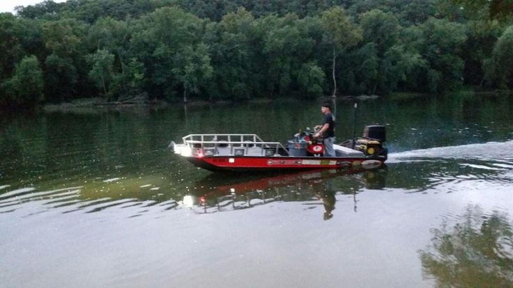 101 best bow fishing images on pinterest bowfishing bow for Bow fishing boats