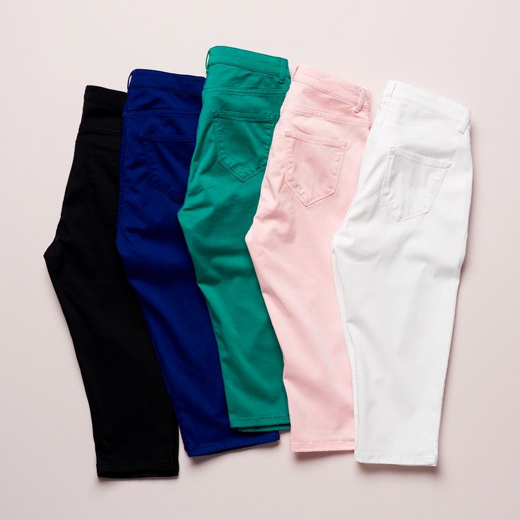 Campaign High Summer | Capri | Colorful | Black | Blue | Green | Pink | White | Photography
