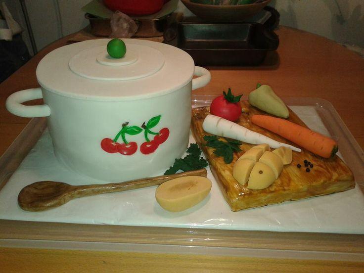 torta - hrniec polievky so zeleninou. bublanina ako doska