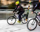 A las pistas de esquí en bicicleta
