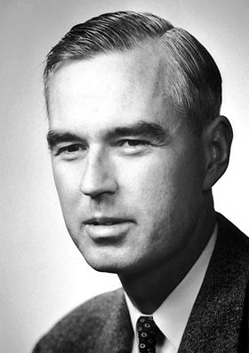 """Willis Eugene Lamb 1955    Born: 12 July 1913, Los Angeles, CA, USA    Died: 15 May 2008, Tucson, AZ, USA    Affiliation at the time of the award: Stanford University, Stanford, CA, USA    Prize motivation: """"for his discoveries concerning the fine structure of the hydrogen spectrum""""    Field: Atomic physics"""