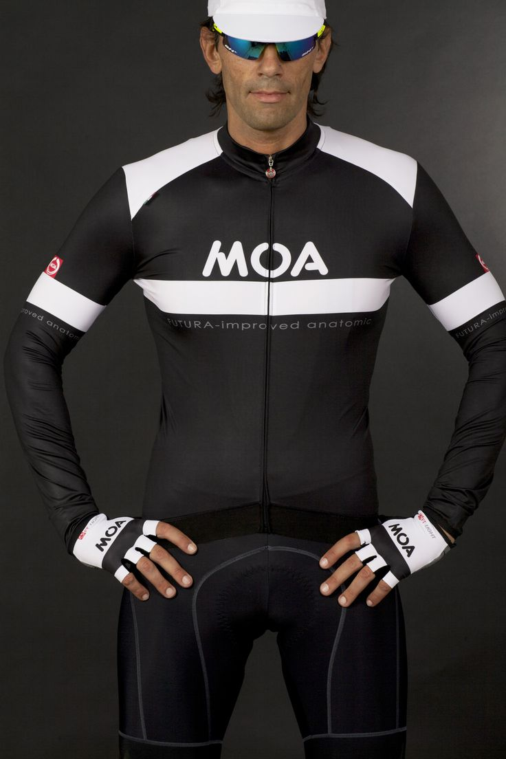 (NOSIOLA) Jersey in brushed fabric used by pro teams. In addition to immediately perceptible softness, it has characteristically comfortable elasticity and hugs the body like a second skin. Thanks to its very close-knit structure and internal brushing, this jersey is suitable for spring and autumn weather.