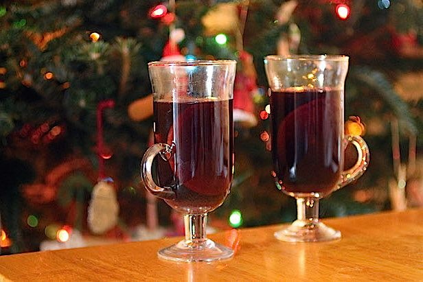 How to Make Slow Cooker Mulled Wine | Made + Remade