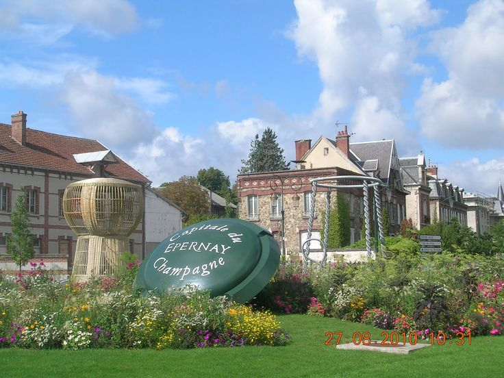 I've been there and it's beautiful Avenue de champagne Champagne tasting in Epernay, France