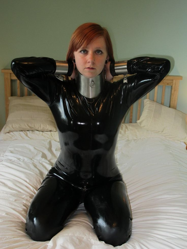 Una heavy steel bdsm collar ass!