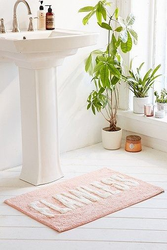Flawless Bath Mat | Home & Gifts | Home Furnishings | Bathroom | Urban Outfitters | #UOonYou #UOEurope #UrbanOutfitters