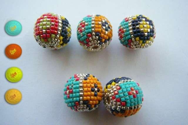 5 perles tissées en décas Miyuki multicolores pour montage en boucles ou collier.