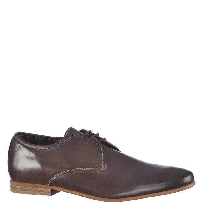 Pantofi eleganti pentru barbati, marca Vintique. Modelul este realizat din piele naturala de culoare maro inchis, interiorul este din piele naturala iar inchiderea se face cu siret subtire cerat.