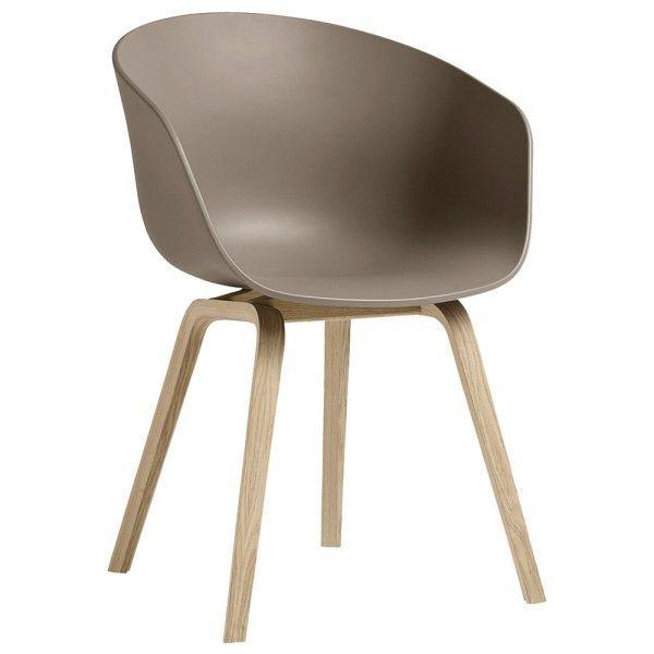 About a Chair AAC22 stoel met gelakt onderstel   Hay