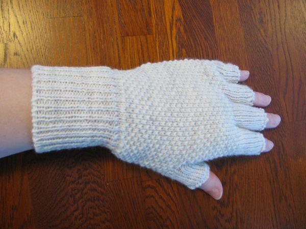 Kynsikkäät, merinovilla, helmineule, tilauksesta, neuleita, neuloa, neulominen, gloves without fingertips, merino wool, moss stitch, seed stitch, customized, knitwear, knit, knitting