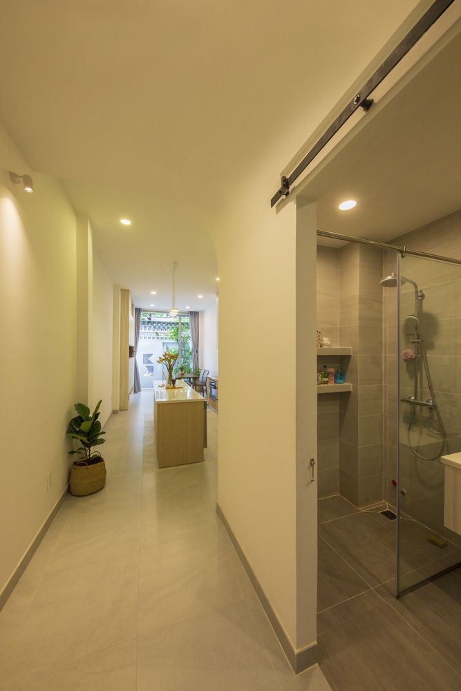 Gallery Of Vy Anh House Khuon Studio 26 In 2020 House House Design Compact House