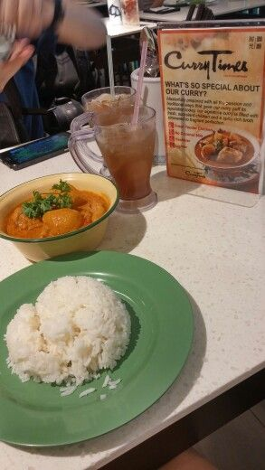 Curry rice lunch set at Old Chang Kee Terminal 3 basement! Just sgd9.90!!! Isnt it cheap!!!   Food: ❤❤❤❤ Price: ☺☺☺☺☺ Enviroment:  ❤❤❤❤ Services: ☺☺☺☺