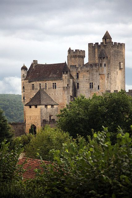ARCHITECTURE – another great example of beautiful design. Chateau Beynac - Beynac-et-Cazenac, Dordogne