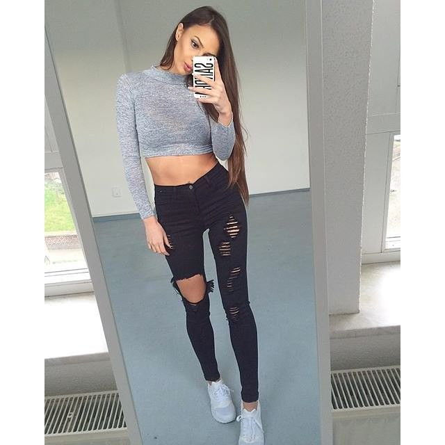 @ni_sa_ wears our LOU knit crop top £7 free delivery. SHOP HERE: http://www.wearall.com/lou-knitted-turtle-neck-long-sleeve-crop-top