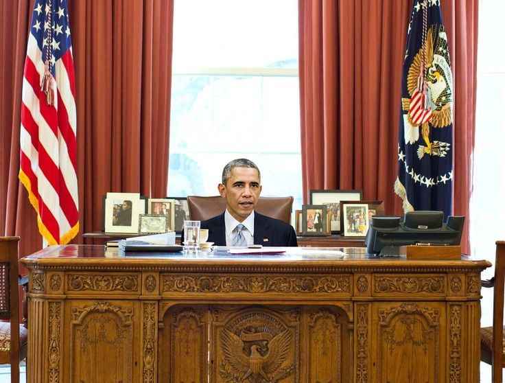 Obama Still Hasn't Figured Out How To Adjust Height Of Oval Office Desk Chair