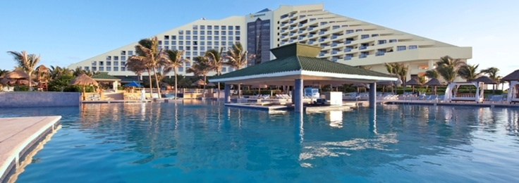 Iberostar Cancun Hotel | Hotel Cancun | This 5-star resort truly has it all. One of Mexico's largest convention centers on property, an 18-hole championship golf course and of course all the added features of the all-inclusive package can be found at Iberostar Cancun.  Call 615-LET-SGO1 or e-mail rick@greenlight-travel.com to find out more.