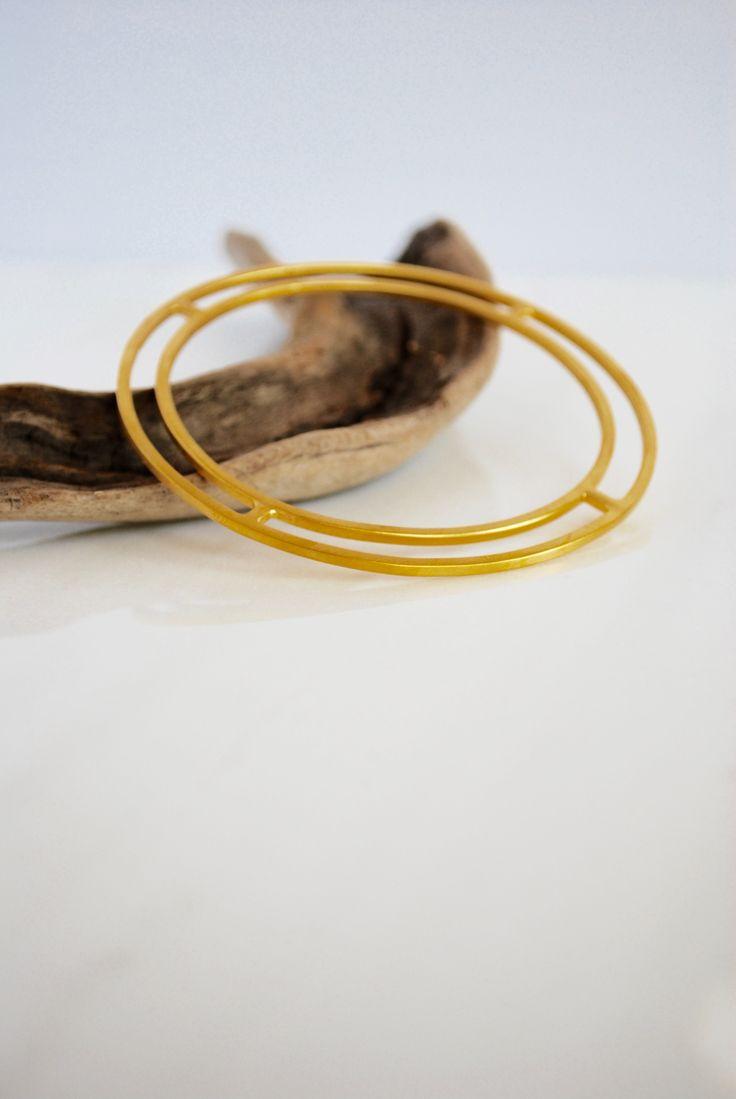 Minimalist geometric bracelet by Auralism