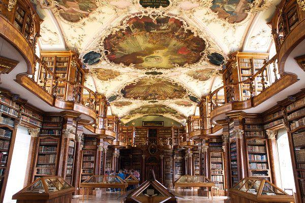 La bibliothèque de Saint-Gall. Suisse.