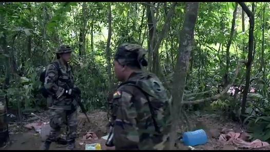 Amazonas Clandestino 2/6 Los tentáculos del narcotráfico (del Vrae en Perú, a Cobija en Bolivia, y Manaos en Brasil). De David Beriain para Discovery MAX. Régimen de España, 2015.