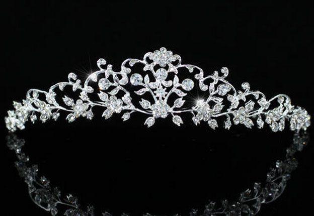 """ΓΥΝΑΙΚΕΙΑ :: Επάργυρη Πανέμορφη Vintage Σχέδιο Νυφική Τιάρα Γάμου με Κρύσταλλα Swarovski """"Adonia"""" - http://www.memoirs.gr/"""