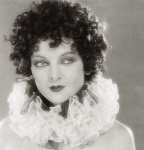 Myrna Loy as Chorus Girl (uncredited) - 1927 - The Jazz Singer - Director:  Alan Crosland