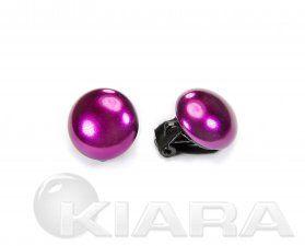 Klipsy w kształcie spłaszczonej półkuli, w kolorze fioletowym, wykonane ze szklanej błyszczącej perły.