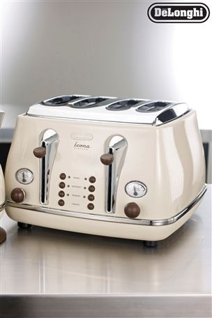 Delonghi Vintage Cream Toaster Yay I Actually Have This