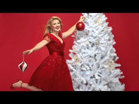 17 best ideas about Kelly Clarkson Christmas Song on Pinterest ...
