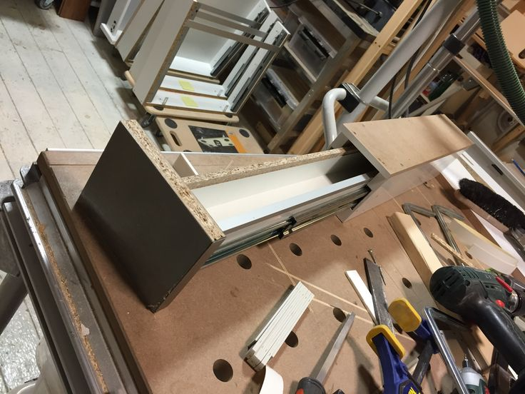 Extreme narrow under the cabinet drawer. 10cm wide and 50cm deep. Enough space for 20 matchboxes :-) #woodshop #custom