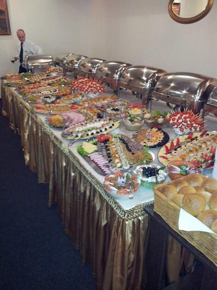 Organizam petreceri corporate.Bufet suedez.