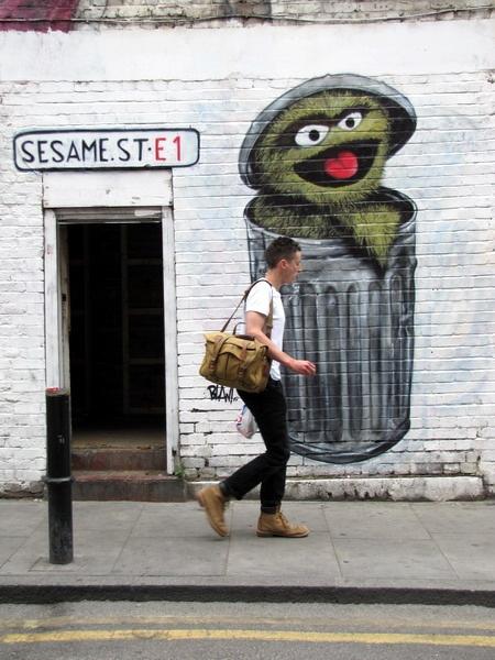 street art & graffiti London - Blam by Kriebel