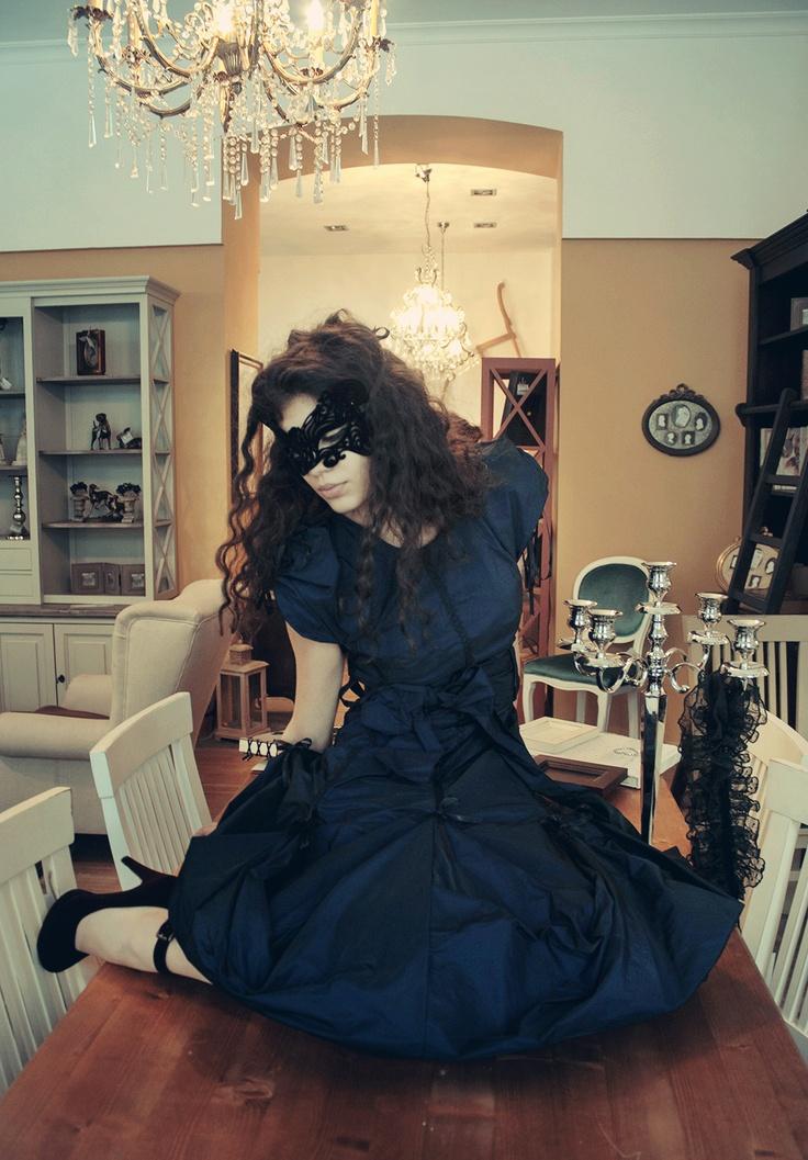 Dyna Dress  https://marketplace.asos.com/listing/dresses/dark-blue-taffeta-versatile-dress---can-be-customized/702818