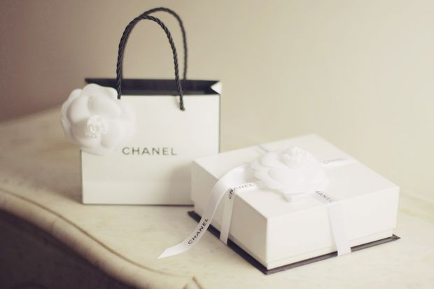 simple yet elegant packaging