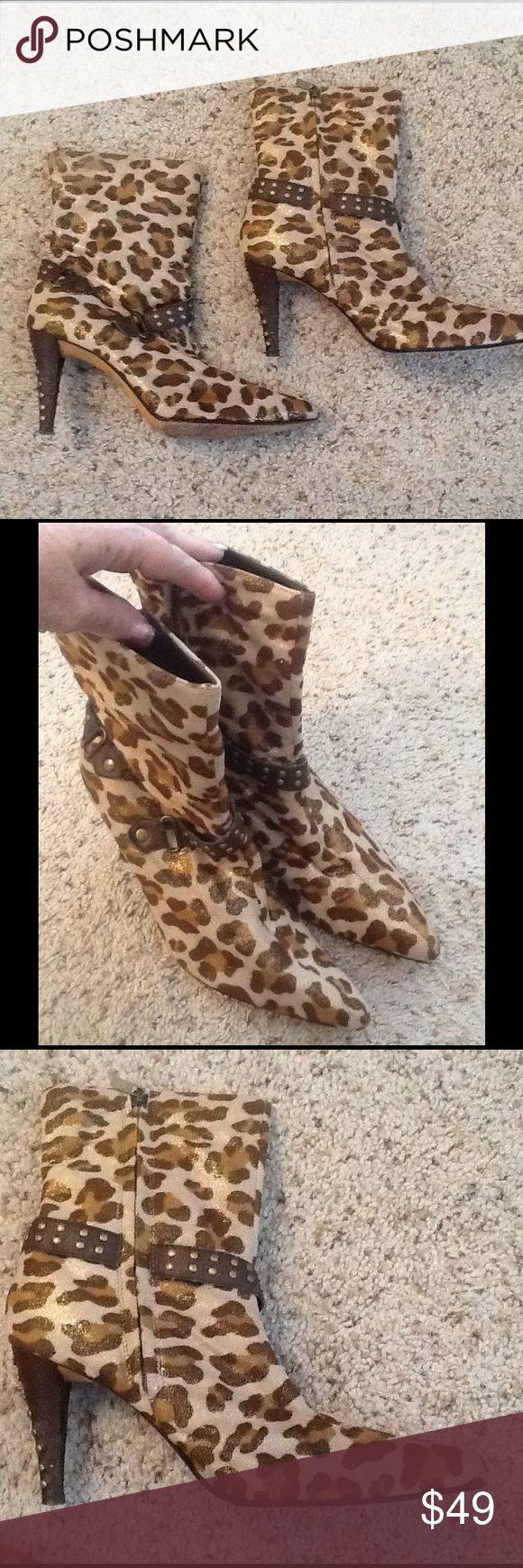 KATHY Van ZEELAND LEOPARD SHEEN ANKLE BOOTS sz 8.5 KATHY VAN ZEELAND sz 8.5 Leopard ankle boots with a gorgeous sheen!  Excellent condition.  Will ship right away.  Check out my other designer items Kathy Van Zeeland Shoes Ankle Boots & Booties