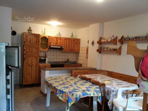 VASTO MARINA Grazioso appartamento con giardino Case