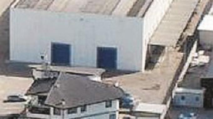 Operaio muore precipitando dal tetto sul quale lavorava