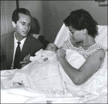 Luis Miguel Dominguin Ava Gardner | Luis Miguel Dominguín y Lucía Bosé, con su hijo Miguel.