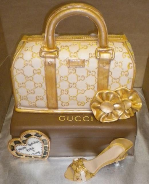 Best 25+ Gucci cake ideas on Pinterest Shoe cakes ...