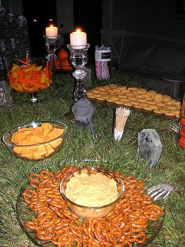 Homemade Thanksgiving Decorations Snack Table