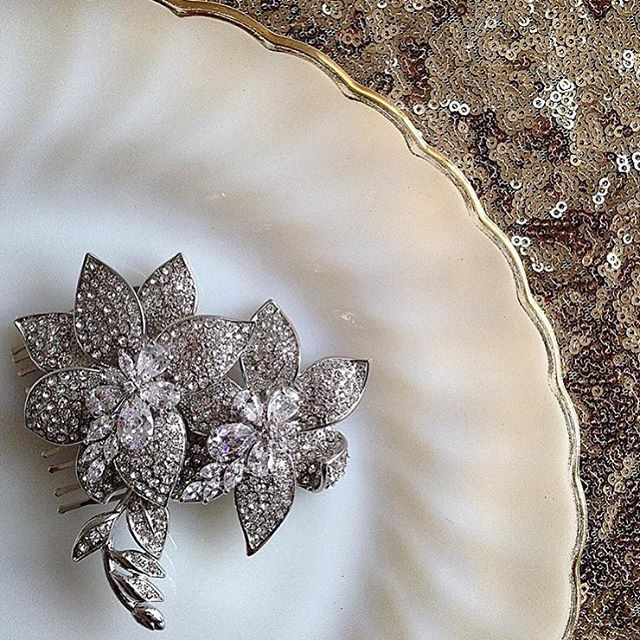 SAMANTHA WILLS   Bridal Jewels   borrowedforaday.wixsite.com/hire